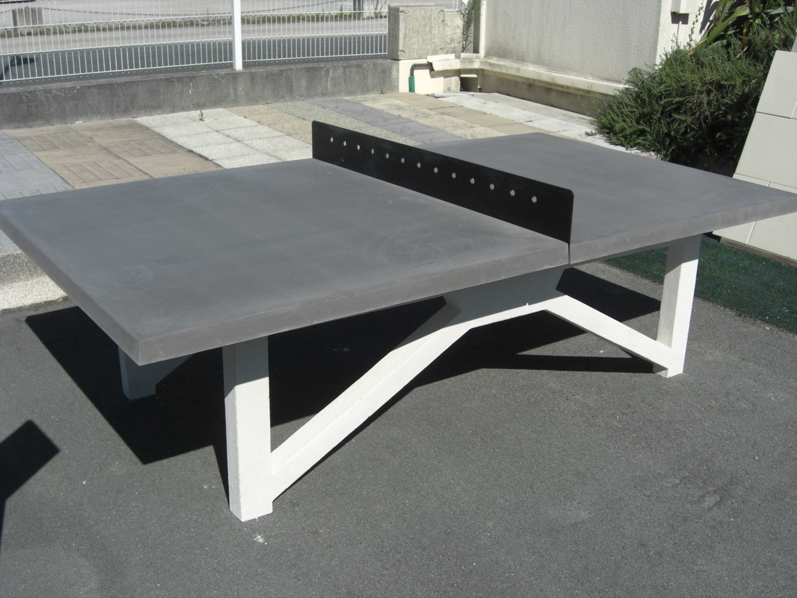 TABLE PING PONG CONTEMPORAINE